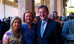 Mª Jesús Sainz con Luisa Fernanda Rudi y Mariano Rajoy