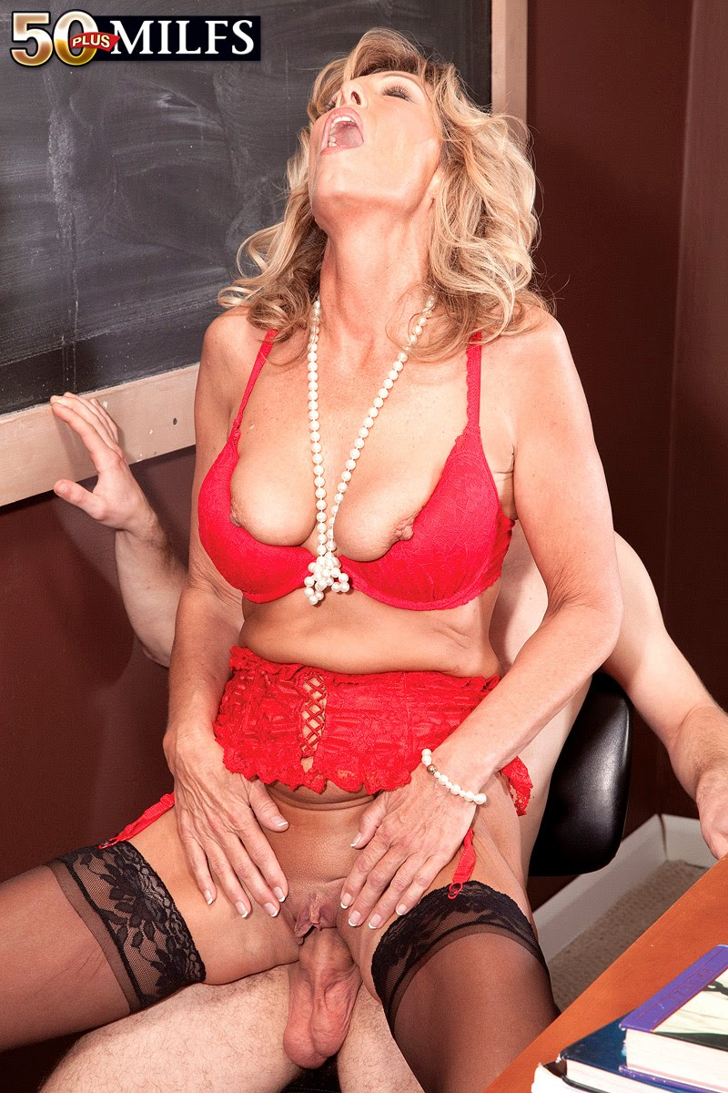Yes looks Shannon west milf want this