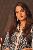 Anushka latest glamorous photos-thumbnail-37