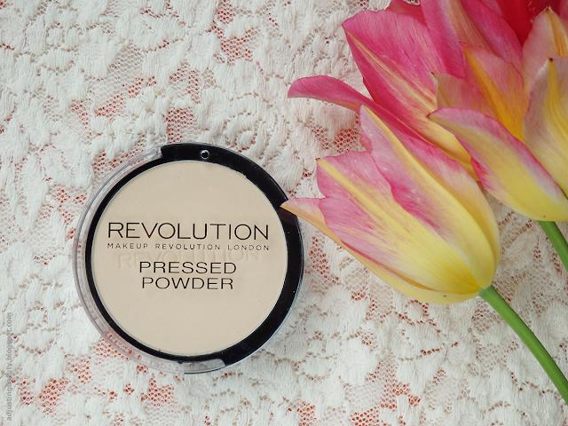Review: Makeup Revolution Pressed Powder (Translucent ...