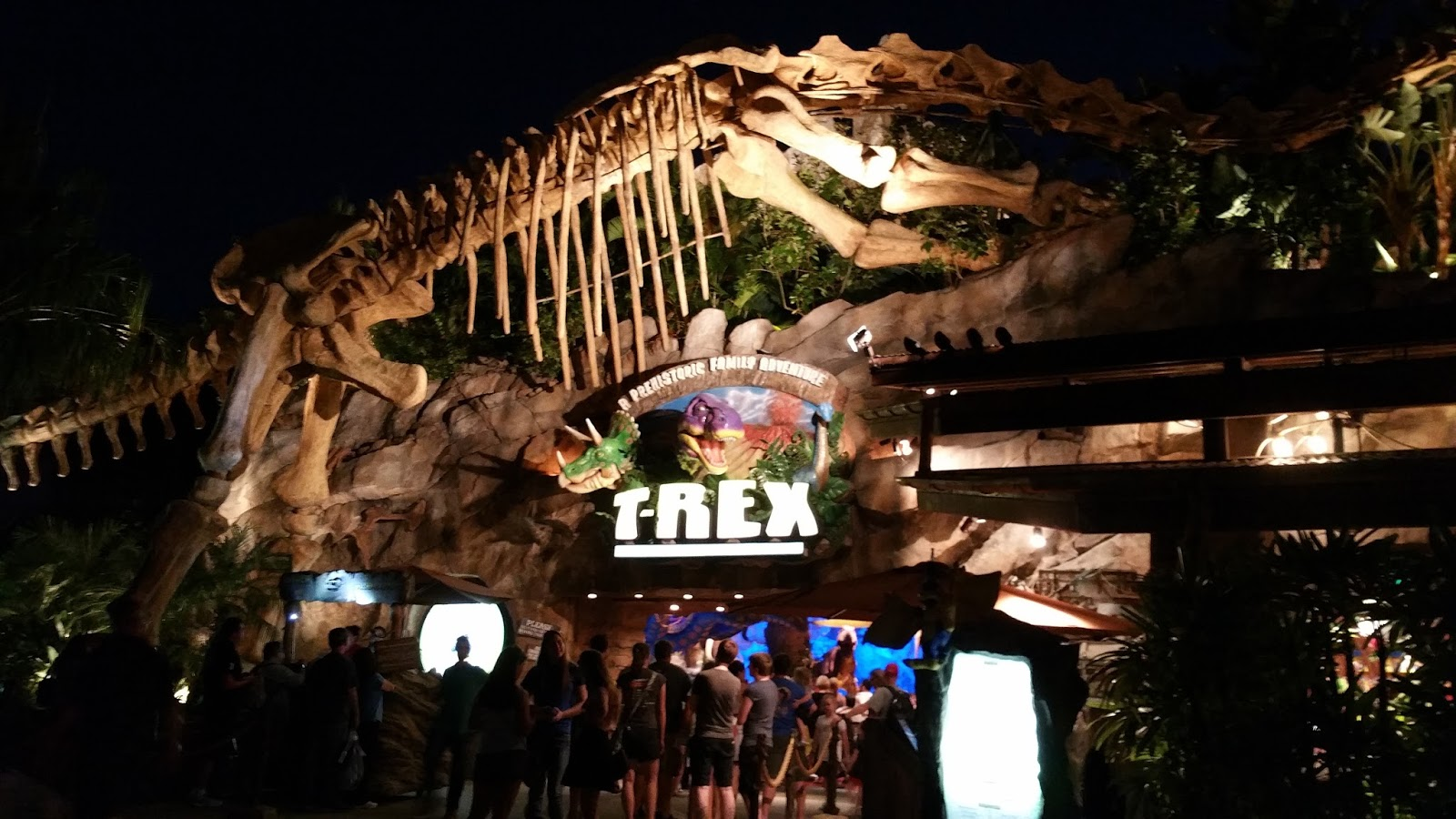 Travel time t rex at disney springs at walt disney world for Disney dining reservations t rex