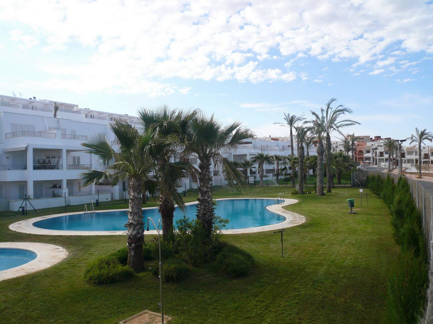 Alquiler de apartamentos en marina del faro garrucha for Alquiler de pisos en almeria