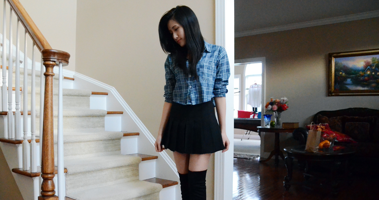 One more photo in the pleated black skirt from SheInside, which has become a staple piece in my wardrobe.