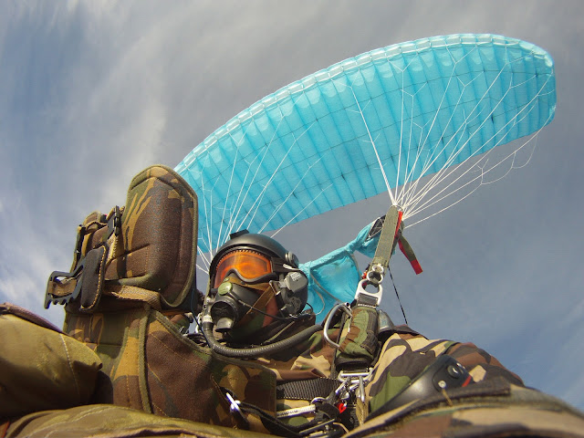 We offer HAHO HALO test jumps to find the best military parachuting solutions.