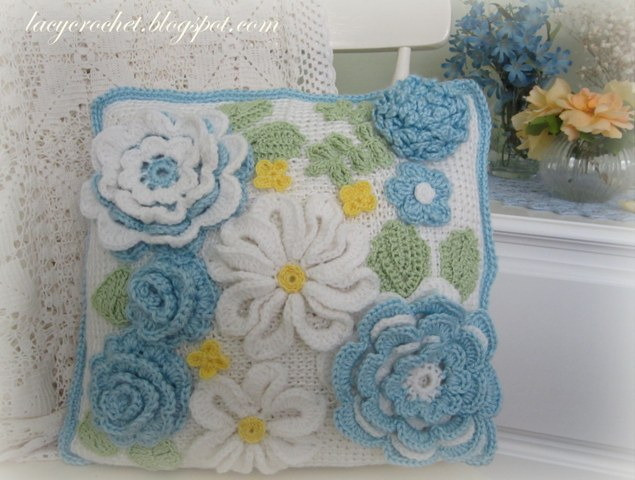 Crochet Flower Cushion Pattern Free : Lacy Crochet: Crochet Flower Cushion