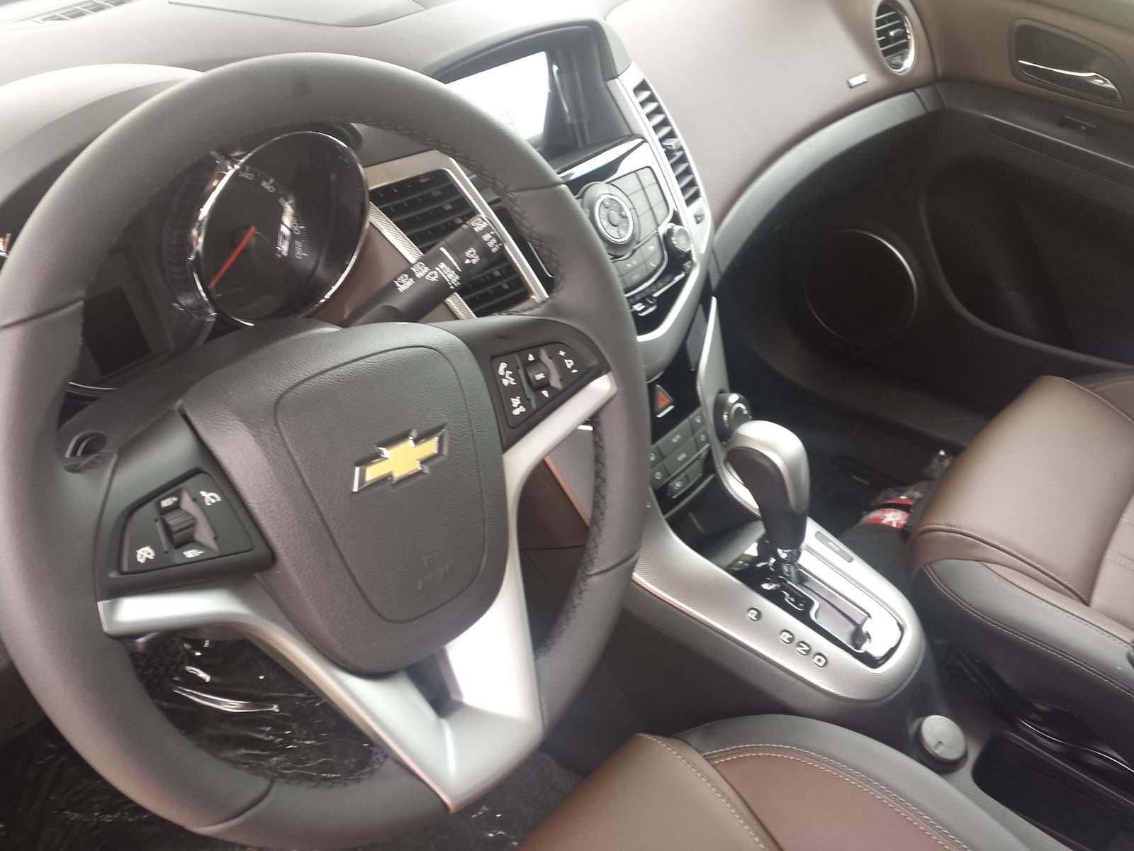 Chevrolet Cruze Hatch LTZ 2015 Preo E Especificaes