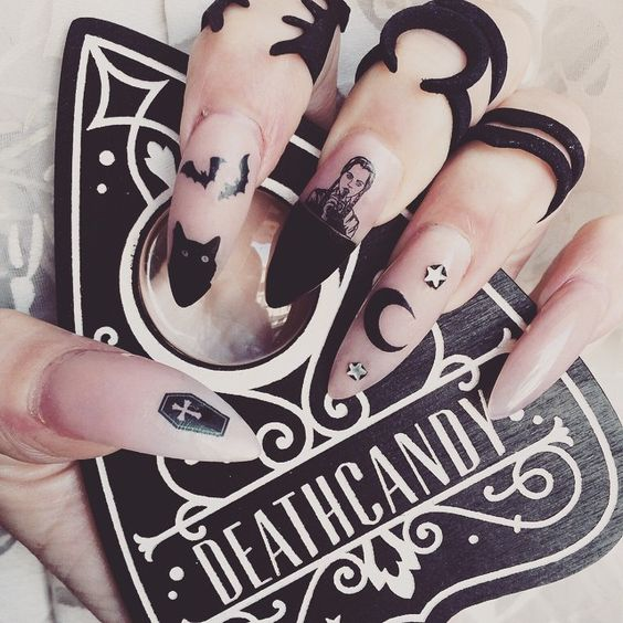 Some amazing (and a few creepy!) design ideas for your nails! - Great Gothic Nail Art Ideas!