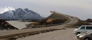 Jembatan Unik Dengan Ilusi Optik
