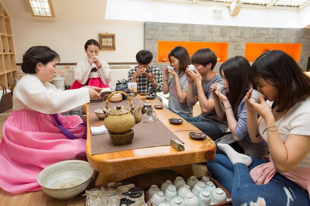Lớp giao lưu văn hóa trường đại học Nambu