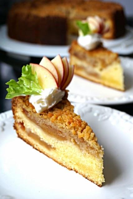 Kitchen Corner Apple Crumble Cake