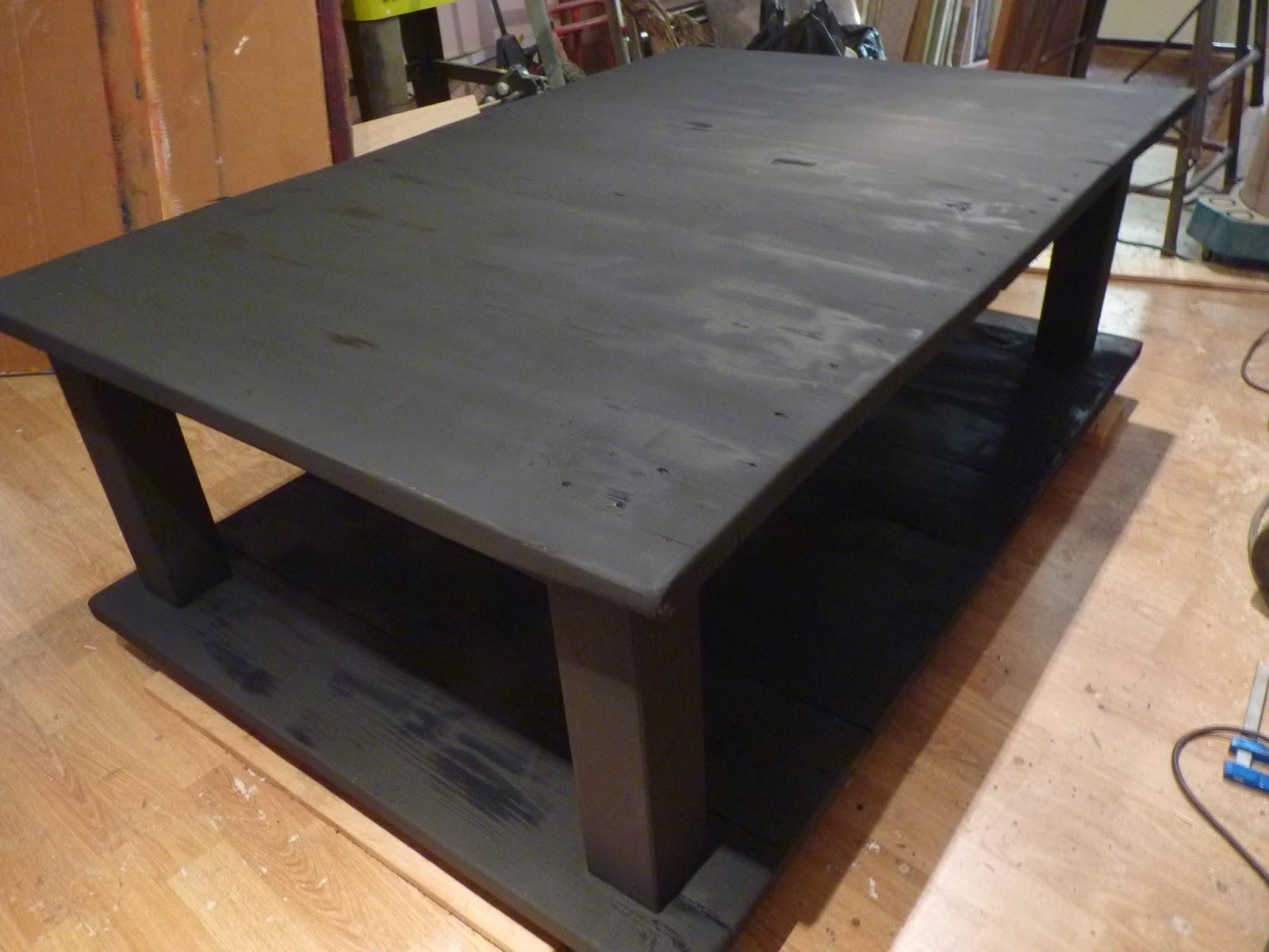 Le re acteur table basse grosse palette grand format for Table basse grand format
