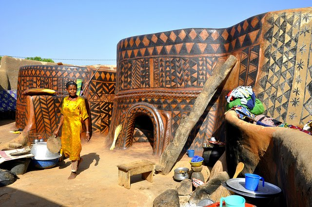 african architecture and design: african frescoes