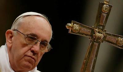 Ο Πάπας Φραγκίσκος έφτασε στην Ιορδανία για να ξεκινήσει το ταξίδι του στη Μέση Ανατολή
