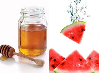 Mặt nạ từ dưa hấu và mật ong là loại mặt nạ làm đẹp da rất được ưa chuộng trong ngày hè oi nồng hiện nay
