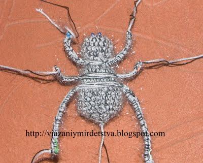Связать паутинку и паучка крючком описание