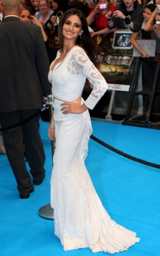 Como usar un vestido blanco largo
