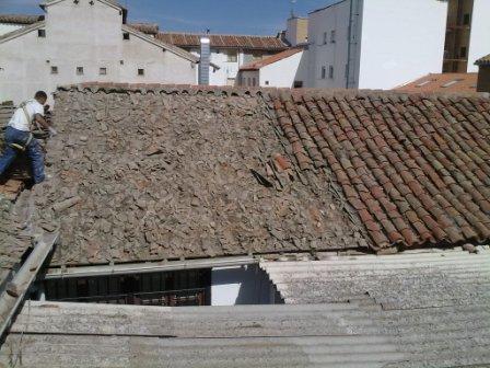 Fotos de restauraci n de tejados en madera tejados y for Tejados de madera precios