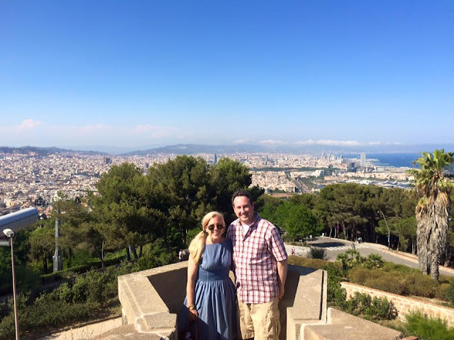 preppy blogger travel barcelona montjuic cable car castle kate spade blaire dress