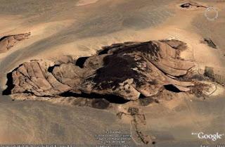 صخرة ناقة سيدنا صالح التى ذكرت في القران الكريم 3910438507.jpg