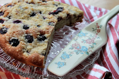 Fresh Cherry Crumble Cake