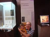 """Con mi hijo en el Museo de Altamira: Sección """"Danzantes y Melodías"""" (06/08/14)"""
