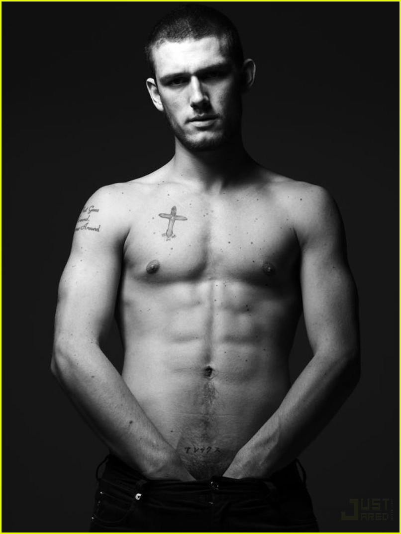 Alex pettyfer Wallpaper 2 With 806 x 1073 Resolution ( 91kB )