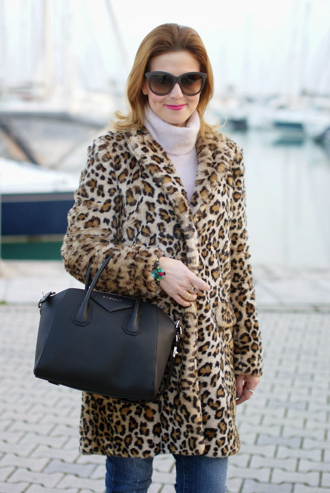 zara leopard coat, leopard faux fur coat, pink sweater, givenchy antigona bag, fashion and cookies, fashion blogger