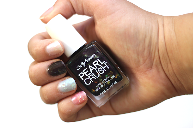 Sally Hansen Pearl Crush Nail Colors in Clam Digger