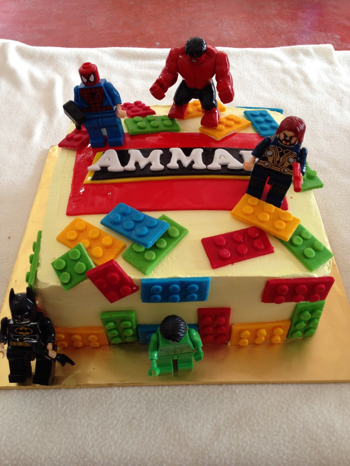 ninie cakes house: LEGO DESIGN CAKE WITH FIGURINE,FLAVOUR ...