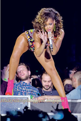 Aksi seksi Rihanna