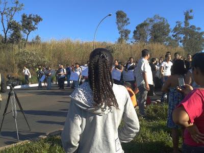 Motoristas de ônibus fazem greve no terminal de São Sebastião, no DF
