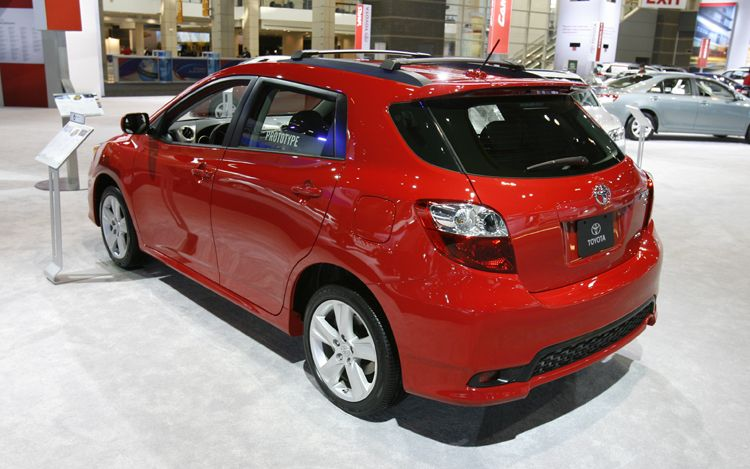 car cc 2011 toyota matrix car blog offers best car models. Black Bedroom Furniture Sets. Home Design Ideas
