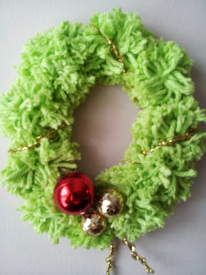 Pom-pom Christmas Wreath, crafts, kids crafts