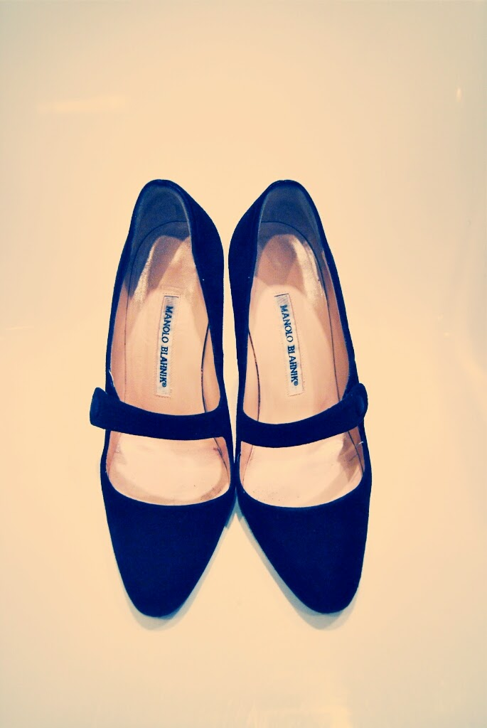 manolo blahnik mary jane suede pumps fashion