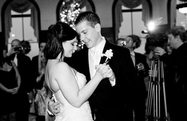 A Lowcountry wedding blogs showcasing daily Charleston weddings, Myrtle Beach weddings and Hilton Head weddings and featuring grande dunes ocean club wedding from brooke christl photography, little white dress, callas florist, Charleston wedding blogs, Hilton Head wedding blogs and Myrtle Beach wedding blogs