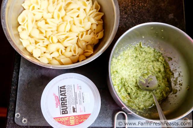 http://www.farmfreshfeasts.com/2015/05/easy-artichoke-arugula-pesto-burrata.html