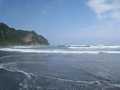 Wisata Pantai Parangkusumo Bantul yang Penuh Mistis