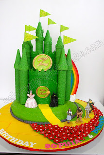 Emerald City Wizard of Oz cake by Celelbrate with cake