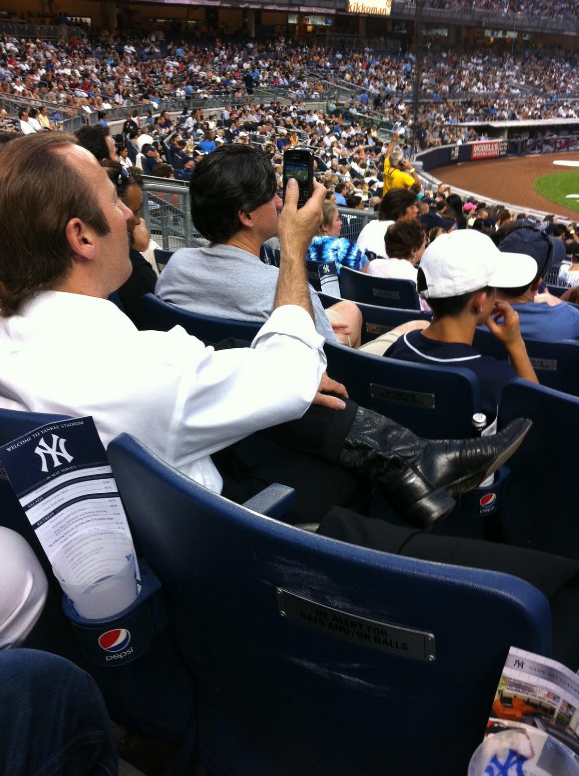 http://3.bp.blogspot.com/-qz5JiOFX3i0/TfK4AQaNANI/AAAAAAAAK2I/MjSm6oX6GCg/s1600/Seinfeld.jpg