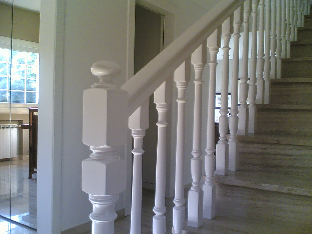 Barnizados gabriel perez barandas y escaleras - Escaleras blancas ...
