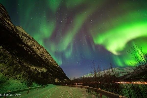 Aurora Warnai Langit Norwegia di Malam Pergantian Tahun
