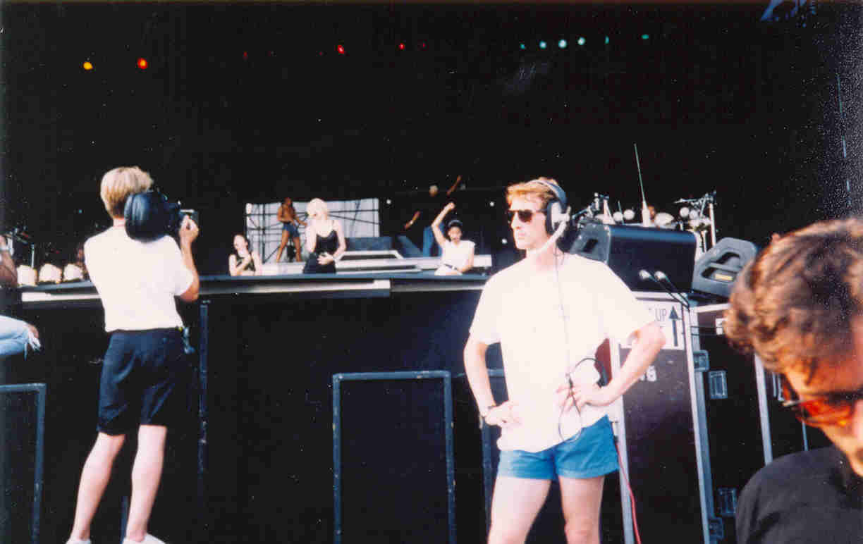 Blond+Ambition+Rehearsal+Pic+1990.jpg