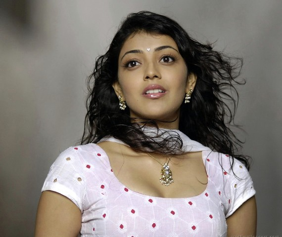 kajal agarwal hot in salwar suit
