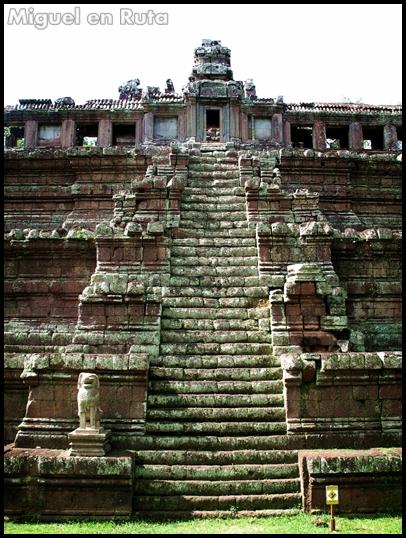 Phimeanakas-Angkor-templos-5