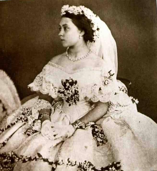 el vestido de novia a lo largo de los años | mariana armingaud