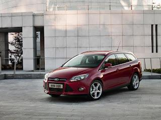 2012-Ford-Focus-16