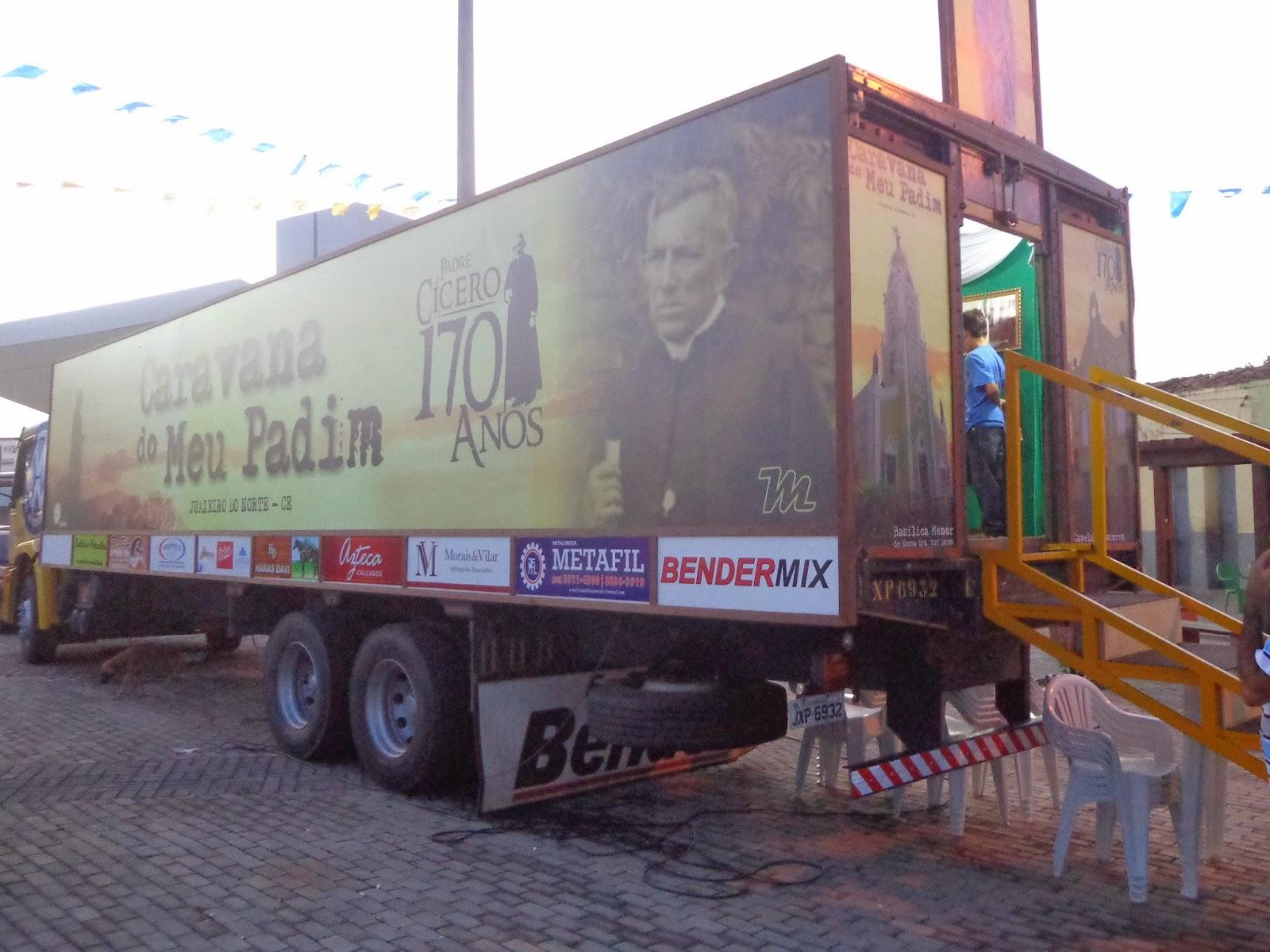 Caravana de Meu Padim, que percorrerá todo Brasil.