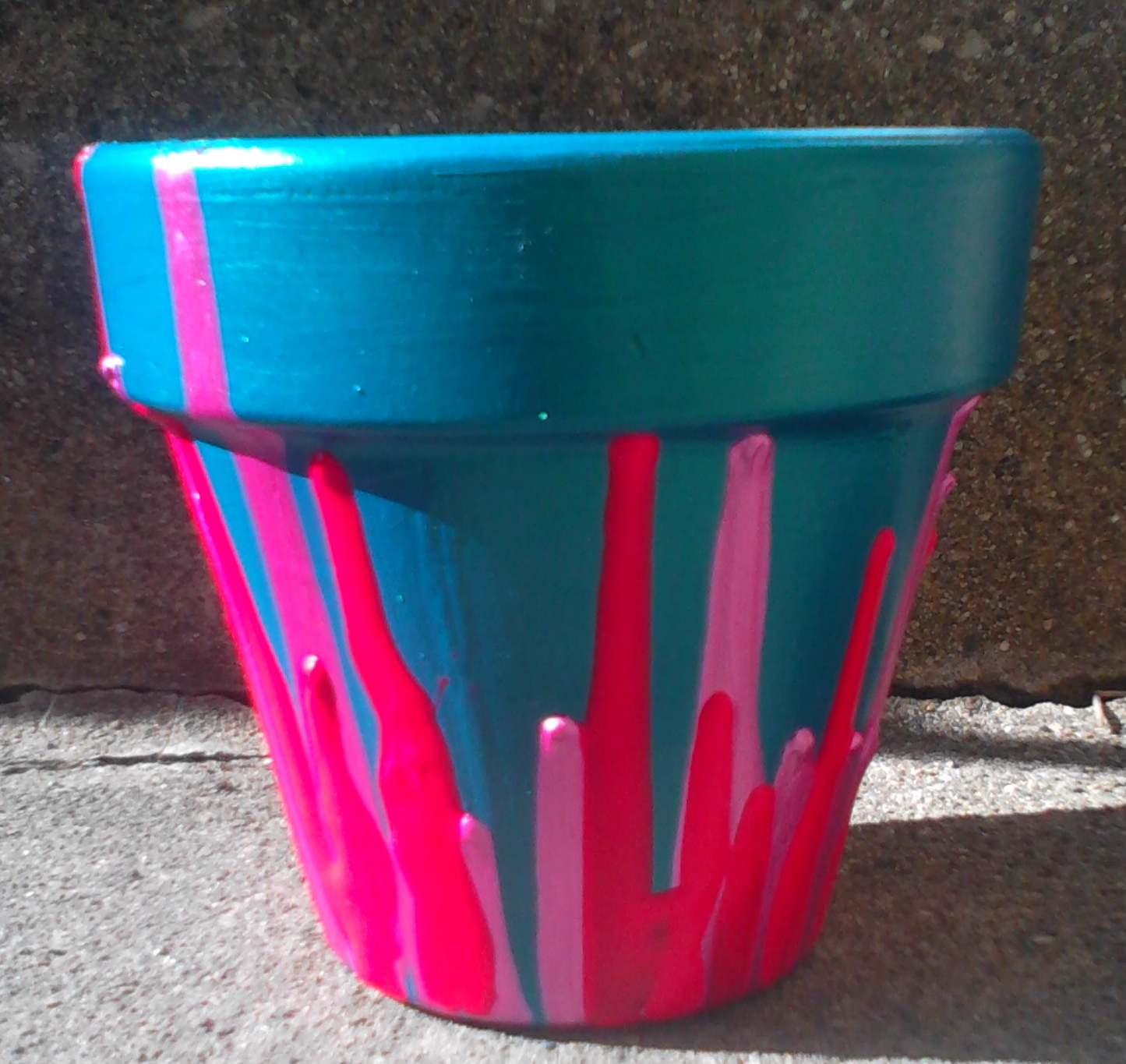 Flower Pot Painting Designs http://www.homemademamas.net/2012/06/drippy-pot.html