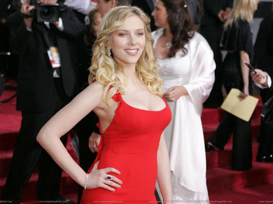 Scarlett_Johansson_hottest_in_red
