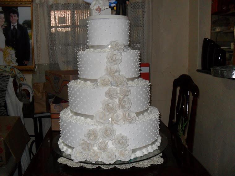 bolo  da Suzana matesco com flores da solange
